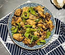 青椒爆炒小公鸡的做法