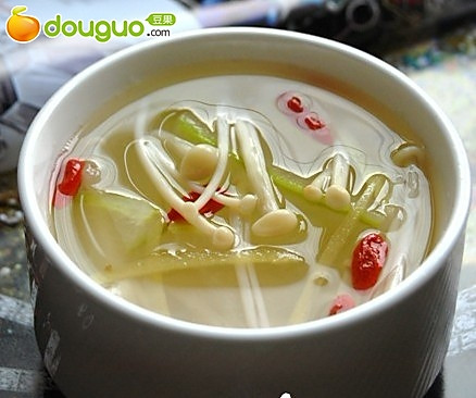 冬瓜枸杞金针菇姜丝汤