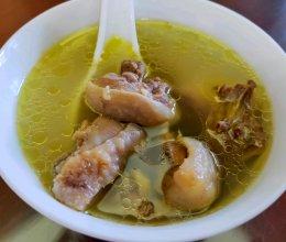 橄榄土鸡汤的做法
