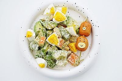 牛油果蟹棒鸡蛋沙拉
