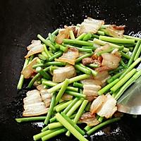 五花肉炒蒜苔的做法图解4