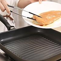 香煎鸡胸肉—迷迭香的做法图解4