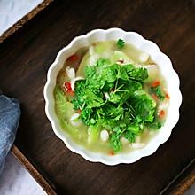 只用一味调料就鲜美! 丝瓜菌菇汤