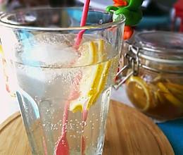赵薇同款蜂蜜柠檬水#复刻中餐厅#的做法