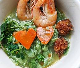 菠菜鲜虾手擀面条的做法