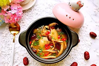冬季养生食补菌菇老母鸡汤