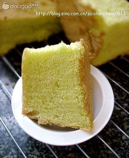 绝对值得推荐的一种新口味蛋糕----菠汁戚风的做法