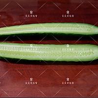 响油黄瓜,快手宴客菜#新年开运菜,好事自然来#的做法图解2