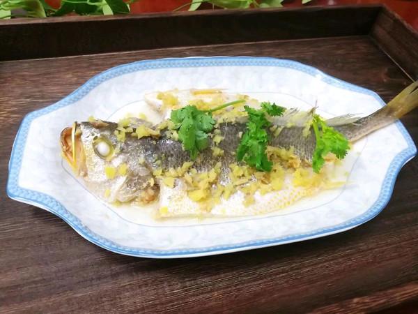 #精品菜谱挑战赛#拍姜蒸黄花鱼的做法