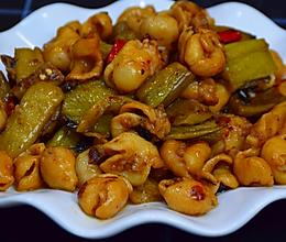 酸芋禾炒猪大肠的做法