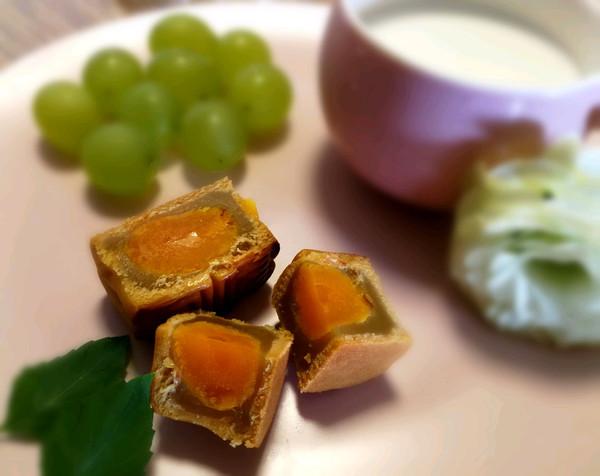 广式蛋黄莲蓉月饼(50g)新手零失败的做法
