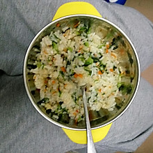 杂蔬虾仁炒饭