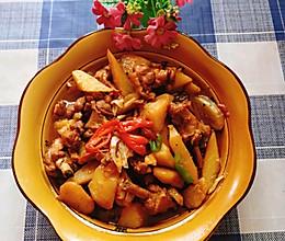 鸭翅根烧土豆的做法