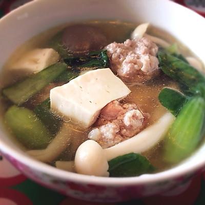 【超健康减肥圣汤】菌菇肉丸毛菜豆腐汤