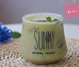 #夏日撩人滋味#夏天健康饮品--牛油果益力多的做法