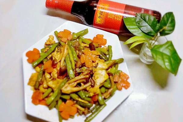 酱香蟹味菇四季豆#厨此之外,锦享美味#的做法