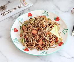 #吃货打卡季# 快手荞麦炒面的做法