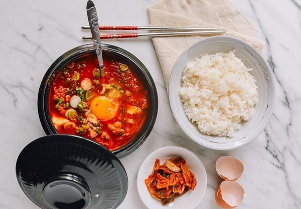 韩式嫩豆腐汤 (순두부찌개)  原锅原汁原味的做法