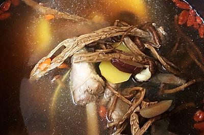 茶树菇淮山茨实老鸭汤