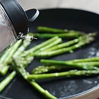 三文鱼金针菇卷佐黑椒芦笋#宜家让家更有味#的做法图解8