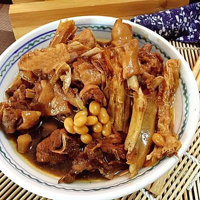 腐竹黄豆焖烧汁鸭