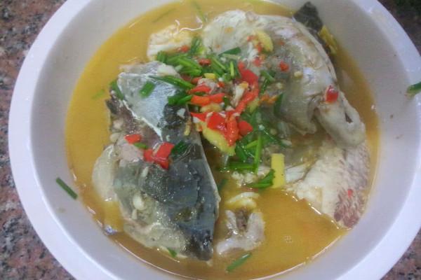 水煮鱼头的做法