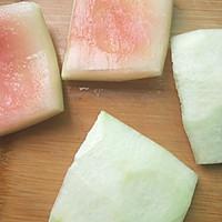 #炎夏消暑就吃「它」#凉拌西瓜皮的做法图解2