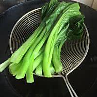#夏日素食# 白灼广东菜心的做法图解2