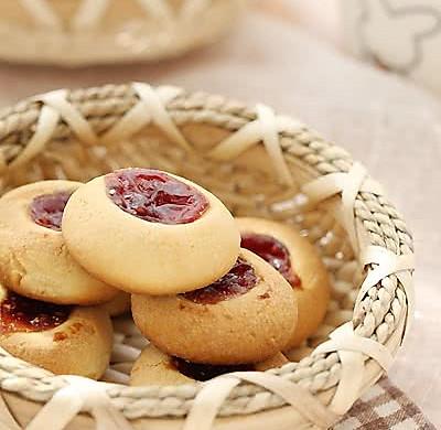 红莓果酱饼干