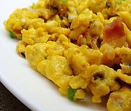 青椒香菇腊肠滑蛋的做法