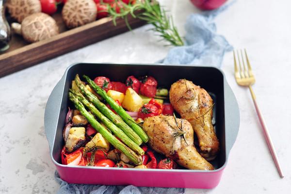 烤蔬菜鸡腿的做法