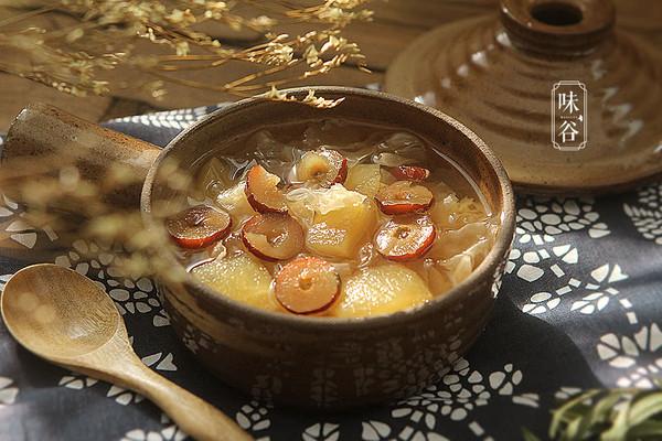 暖心暖胃的苹果银耳汤的做法