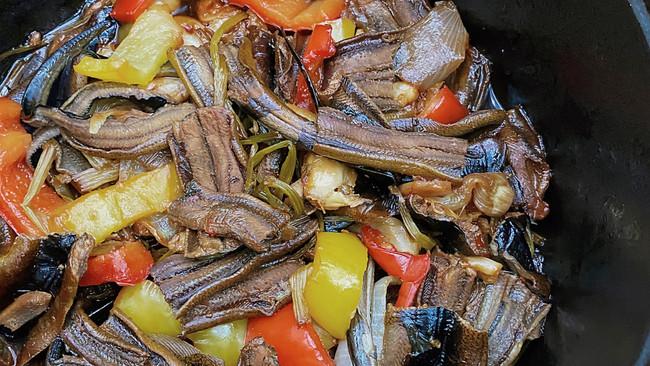 蒜子焖鳝鱼段的做法