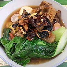 菌子乌鸡炖汤