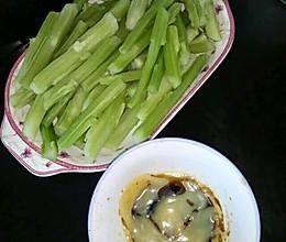 青菜更相信没有多少人吃过吧!这是我怀孕后非常喜欢吃的菜。简单的做法