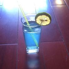 夏日清凉饮料——鸡尾酒
