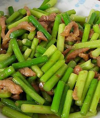蒜苗炒肉的做法