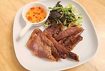 梅酱猪颈肉的做法