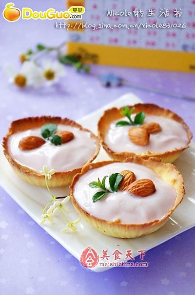 美味杏仁酸奶蛋黄哒的做法