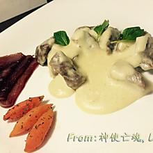法式Bretagne炖肉配红酒梨胡萝卜榄