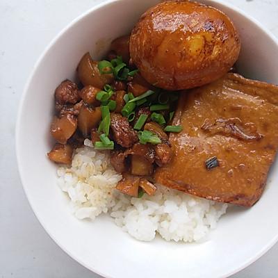 珐琅铸铁锅-台式卤肉饭