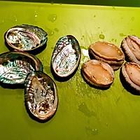 春季养生鲜鲍鱼土鸡汤的做法图解3