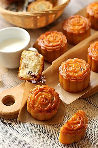 【蔓越莓椰蓉广式月饼】的做法