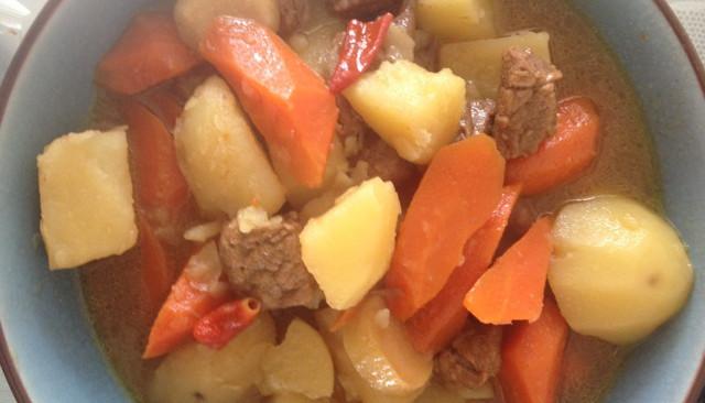 土豆胡萝卜炖牛肉的做法