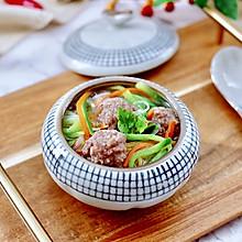 #好吃不上火#手工牛肉丸子粉丝双色萝卜锅