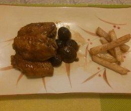 香菇鸡翅配土豆条的做法