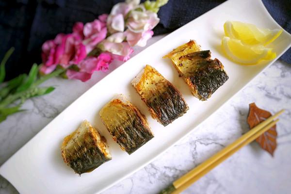 盐煎青花鱼的做法