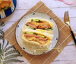#好吃不上火#芝士鸡腿三明治的做法