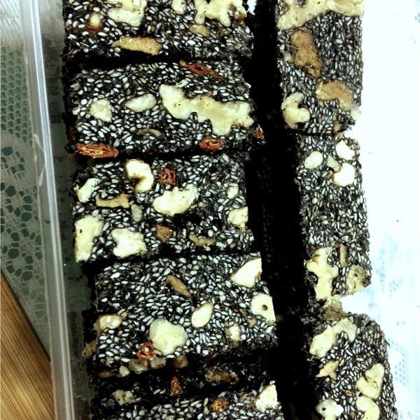 芝麻核桃红枣糕