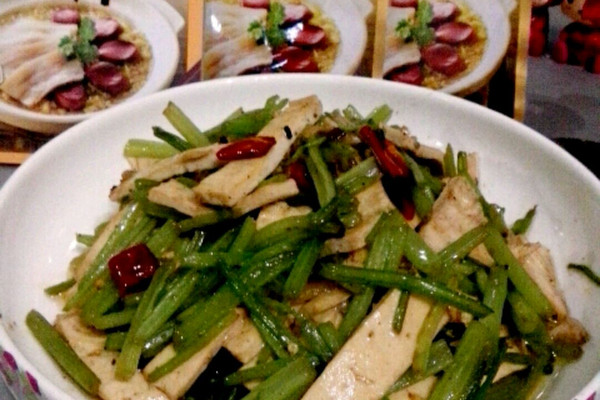 大喜大牛肉粉试用---芹菜炒香干的做法